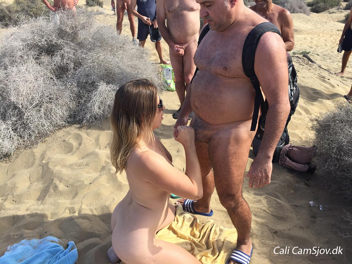 thaimassage blowjob nudister på stranden